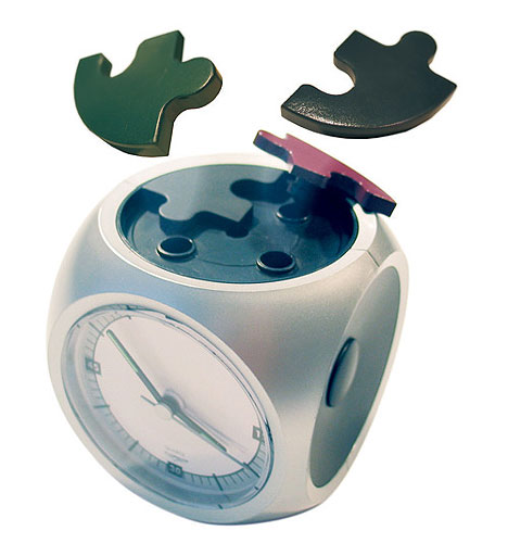 Puzzle Alarm Clock found at Ubergizmo