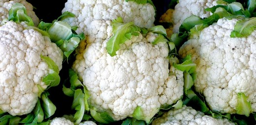 Cruciferous vegetables such as cauliflower and spinach are tops for producing a clean poop