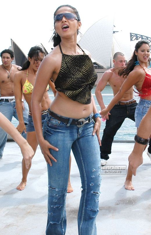 Oomph is what she exudes...Anushka Shetty in tight jeans...mmmm