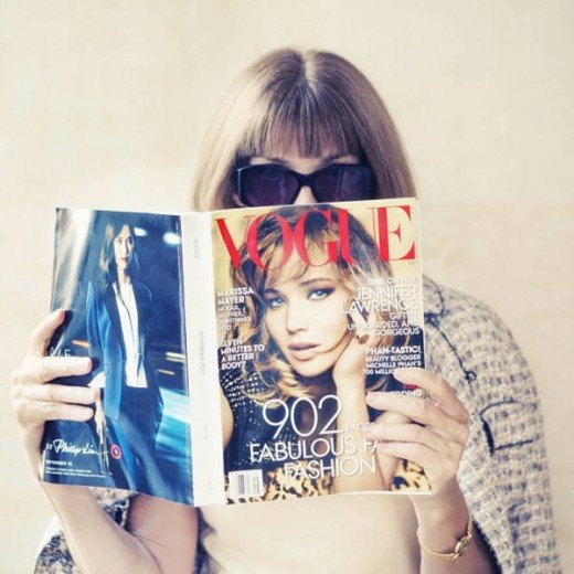 voguemagazine: Anna Wintour reads #TheSeptemberIssue. Do you? We would love to see it! Show us your #voguestagram. Photo by taylorjewell