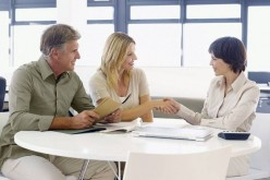 Seeking The Services Of A Right Financial Advisor Helps In Managing Finance