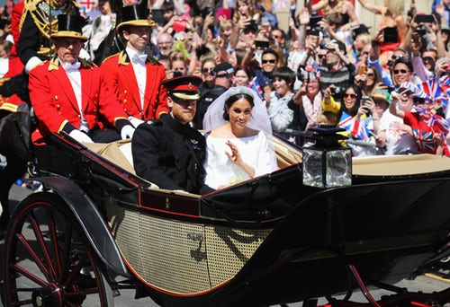2.6 mile carriage ride around Windsor so well-wishers could see newlyweds.