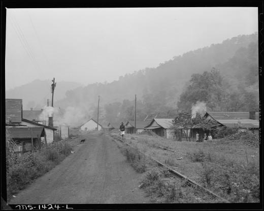 Big Sandy, West Virginia. Mine and housing. 1946