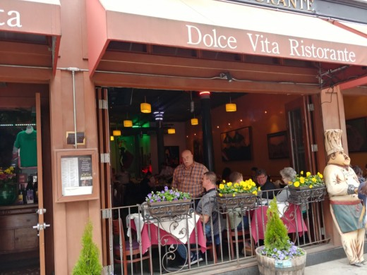 The Dolce Vita Ristorante. Owner Franco Graceffa is seen here talking with my friend, Scott Douglas.