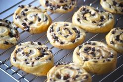 Cheesecake Crescent Cookies