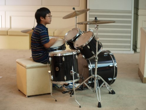 How to Buy a Drum Set for a Child or Beginner