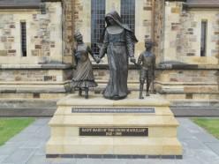 Mary Mackillop : Australia's First Saint