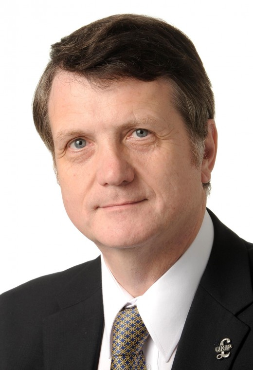 Gerard Batten of UKIP:  Defended Tommy Robinson on Newsnight, BBC 2.