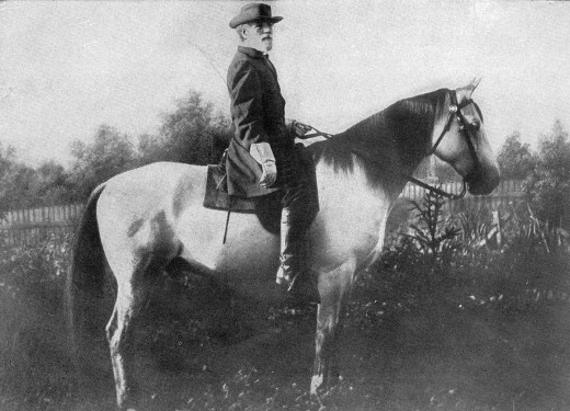 The famous General Robert E. Lee and his favorite mount Traveller.