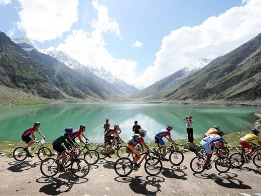 Although these cyclists are pedaling through the picturesque Naran Valley, I would rather like to hike through here with my dog - K2, the great white Kuvasz.