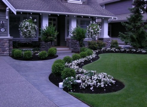 landscaping tips, mulch bed, professional landscaping