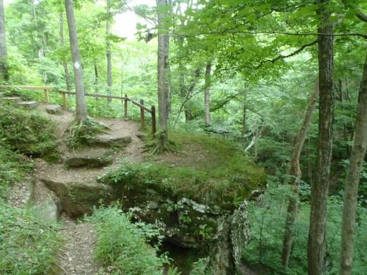 Hemlock Cliff National Park scenic trail