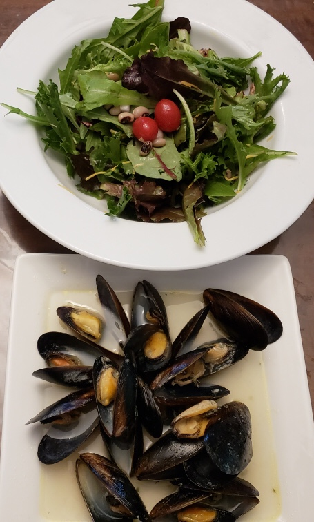 Garlic & Butter Mussels with a fresh salad