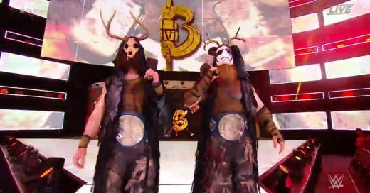I like their masks in this entrance, especially Harper's mask.