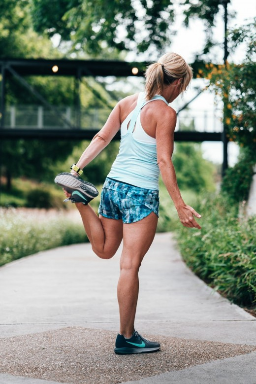 Stretch your leg muscles before brisk walking and jogging
