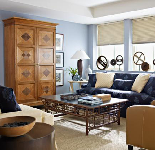 Warm hues and comfortable furnishings create a family-friendly casual room.