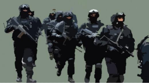 Intelligence Bureau with group of commandos