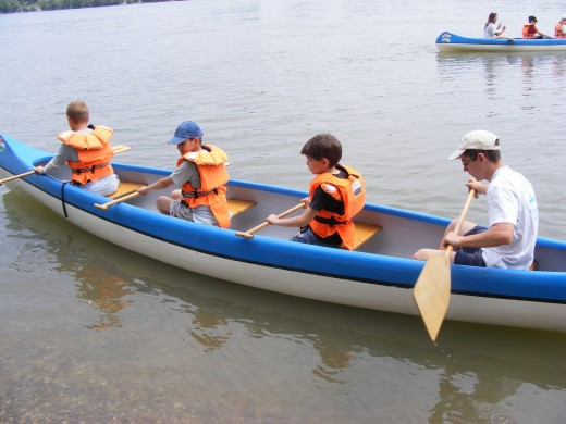 Both children and adults can enjoy boating activities at camp sites.