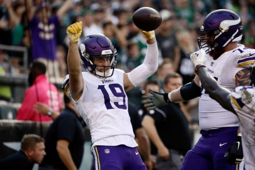 Kirk Cousins went over 300 yards and the Vikings stole a win from the champs in Philly.