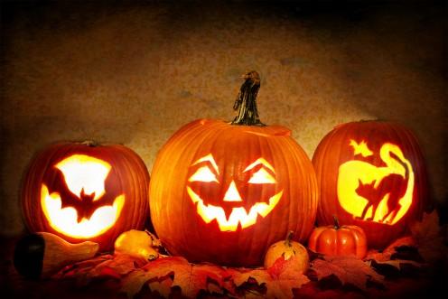 Jack-o-Lanterns Carved-Pumpkins Halloween Quotes