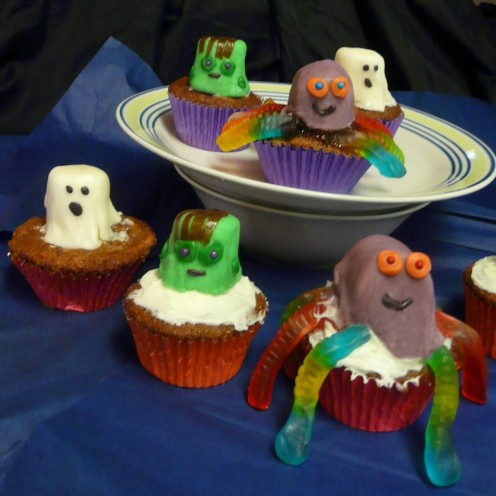 Marshmallow Monster Cupcakes for Halloween