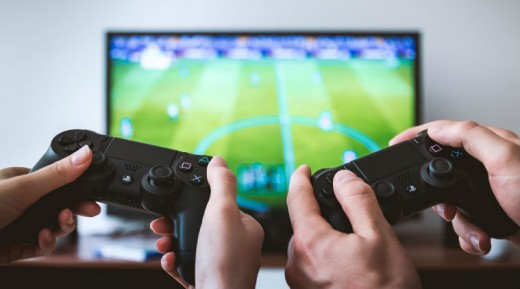 Source: Gaming also decreases the risk of Alzheimer's.