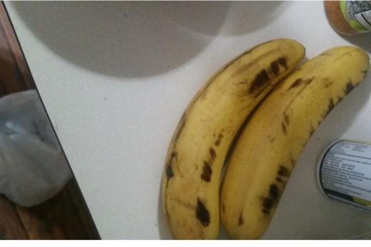 peel and slice one banana