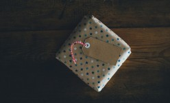 7 Sustainable Gift Ideas for the Minimalist