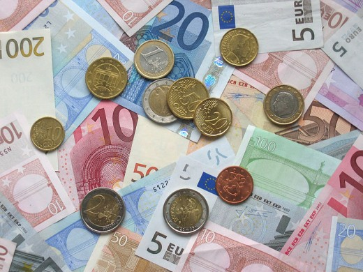 TheEuro is the second most common currency used for international trade. Could it replace the dollar as the reserve curency?