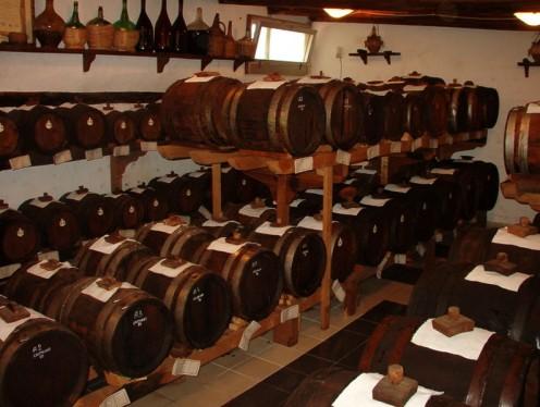Vinegar storage in wooden barrels
