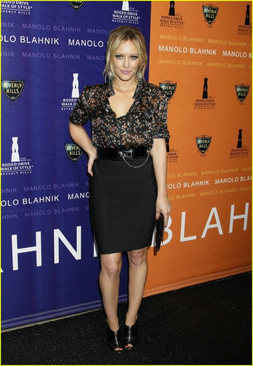 Hilary Duff in a black pencil skirt