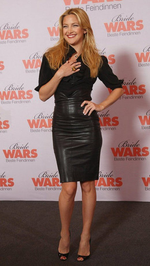 Kate Hudson in a black leather pencil skirt