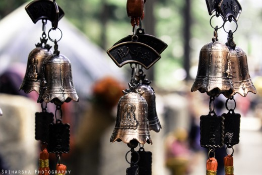 Wind chimes can be used to encourage the flow of chi.