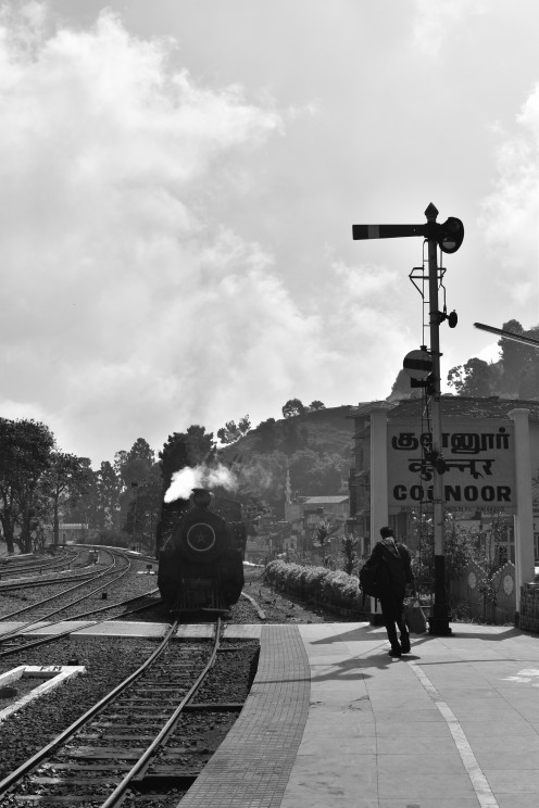 train arriving at Coonoor station