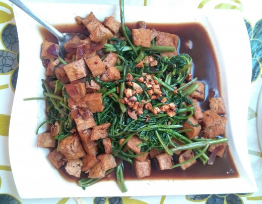 Stir-fried Kangkong with Tofu