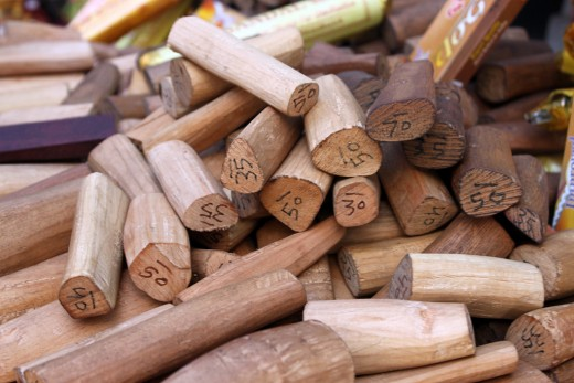 Sandalwood is a stabilising base note oil.