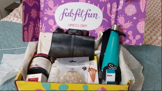 My FabFitFun box for Spring 2019.