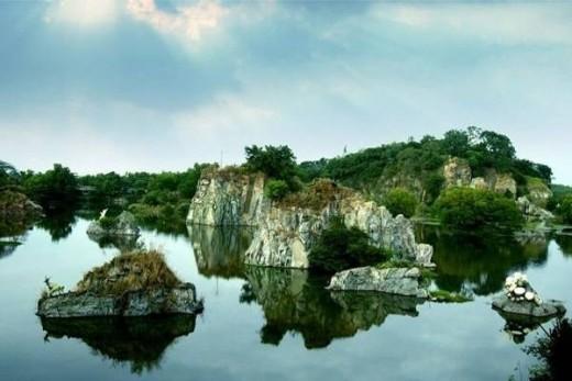 Long An Lake has a poetic beauty