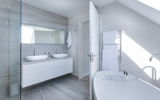 There's nothing like a clean bathroom that smells fresh and airy!