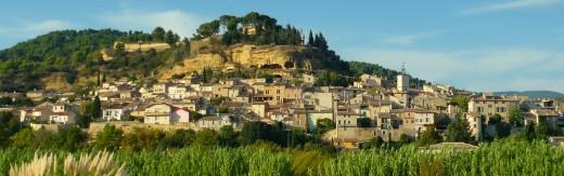 Cadenet, a rather pretty provençal village