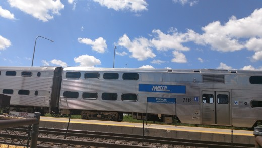Train at Clybourn Metra Station
