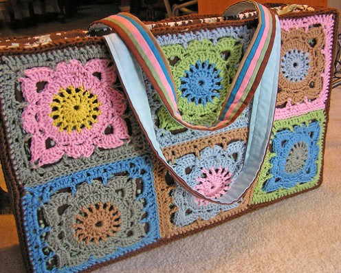 Crochet purses and more at madeitmyself.com (image courtesy of normanack on Flickr)