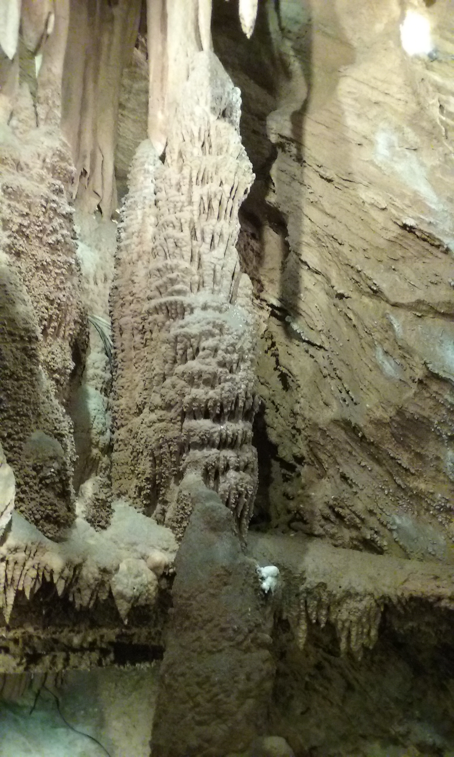 Shenandoah Caverns, Virginia</a> <a href=