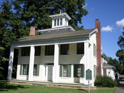 Hillside Farmhouse, Ella Sharp Museum