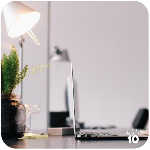 Weird Weight Loss Tip: Keep your work desk tidy.