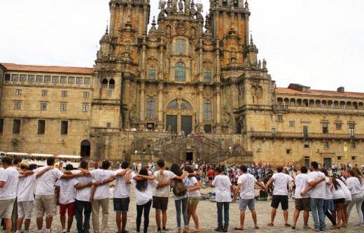 A front view of El Catedral de Compostela.