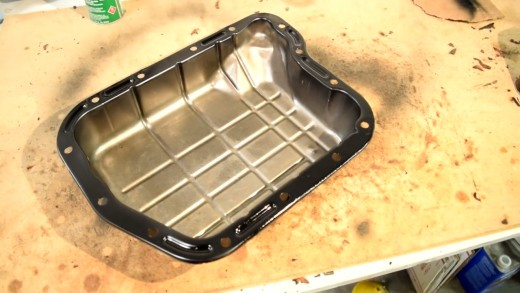 Clean transmission pan