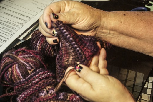 Knitting/weaving together the heel