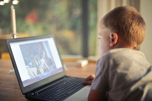 Help kids read and learn safely on the Internet.