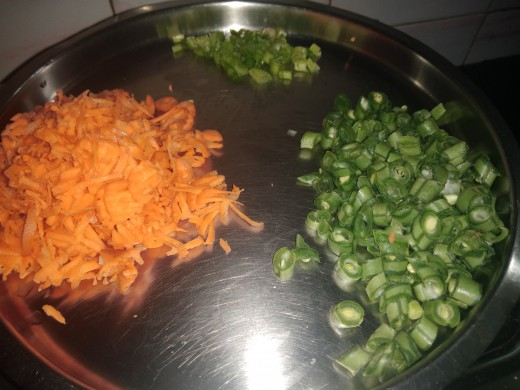 Chop, grate and keep all the vegetables ready. (I used carrot, beans and greens of onion here).